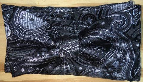 Men's Extravagant Solo Paisley Pattern Bow Tie + Hanky - Black