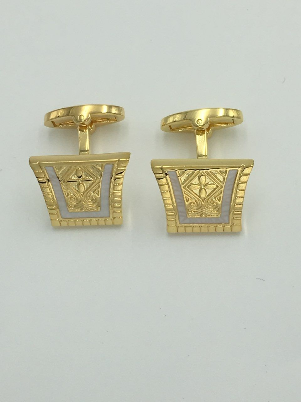2 Pc. King of the Nile Style Cufflinks - Pure White